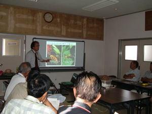 スズメバチについての講演風景 郡山市、2011年.jpg