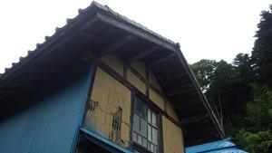 田村市でスズメバチの引っ越し巣の駆除現場.jpg