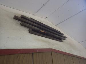 マルハナバチが2階の通気口から屋根裏に出入り(福島県三春町).jpg