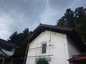 福島市でスズメバチを駆除した現場.jpg